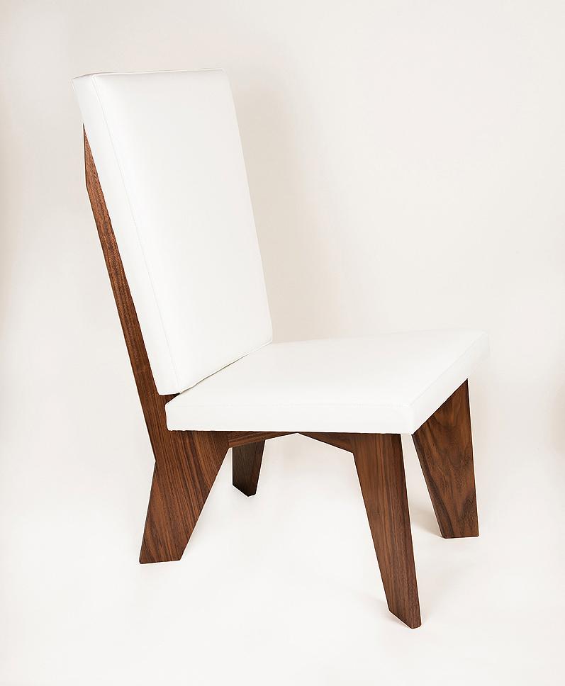 aXial Hi-Back Lounge Chair